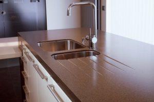 Стільниці для кухні зі штучного каменю