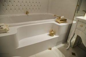 Стільниця у ванну зі штучного акрилового каменю
