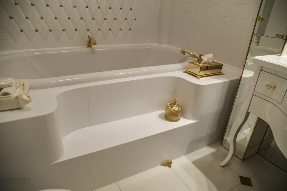 штучний камінь у ванній