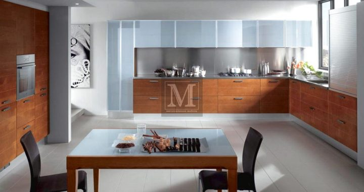 Кухні зі скляними фасадами