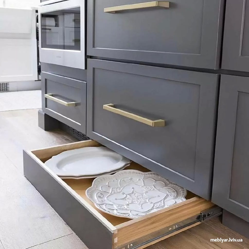 Немає де зберігати речі на кухні