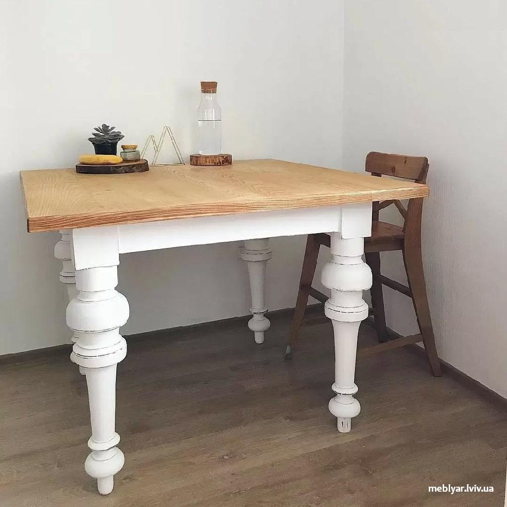 Морально застарілі меблі на кухні